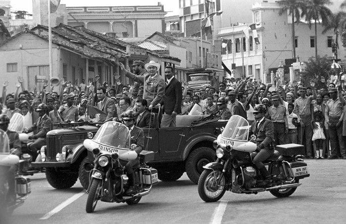 Генеральный секретарь ЦК КПСС Леонид Ильич Брежнев и Первы… | Flickr | 453x700