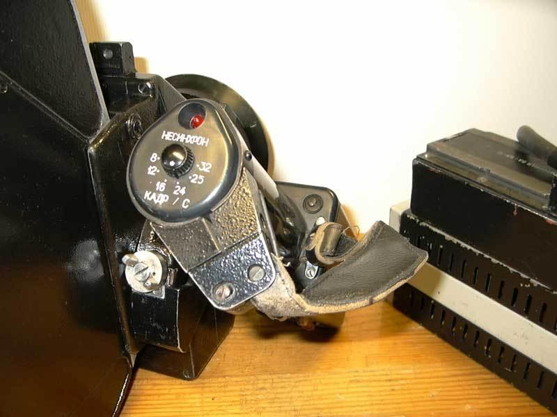 Сколько лет кинокамере мабута фото