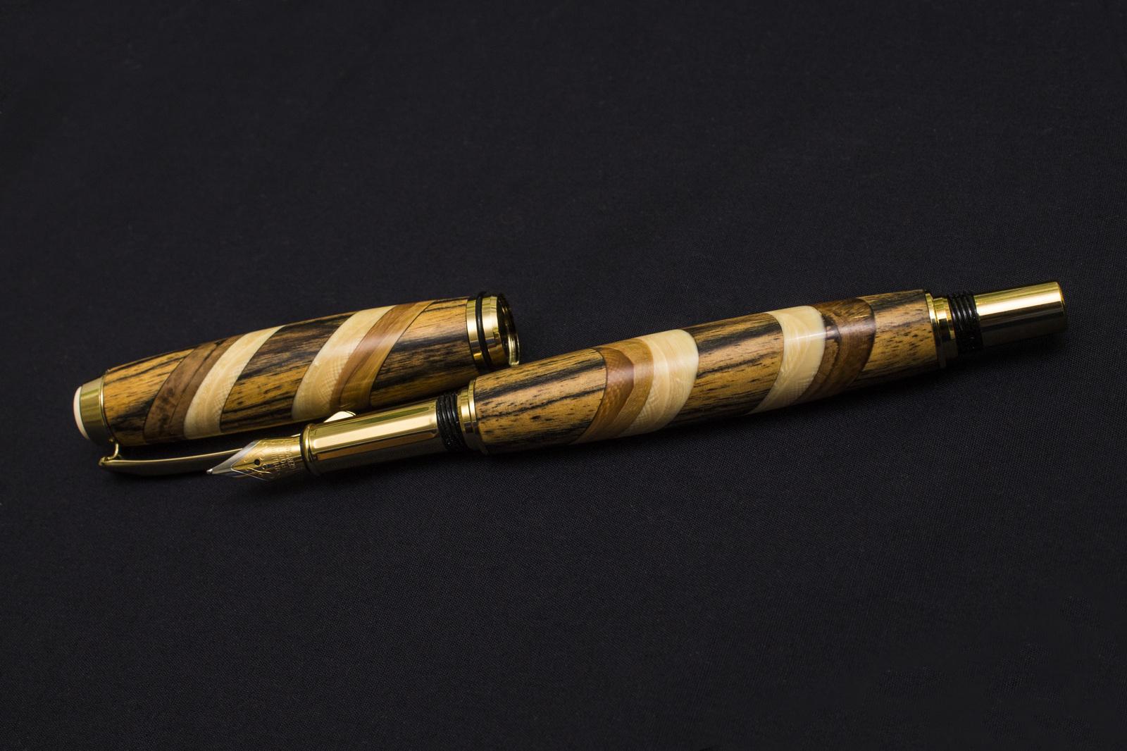 Шариковая ручка в жопе