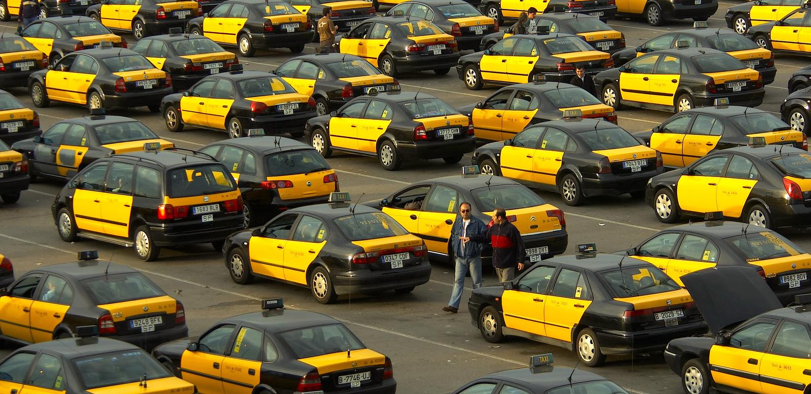 Авто-факт: в Барселоне рекордное количество таксистов (видео)