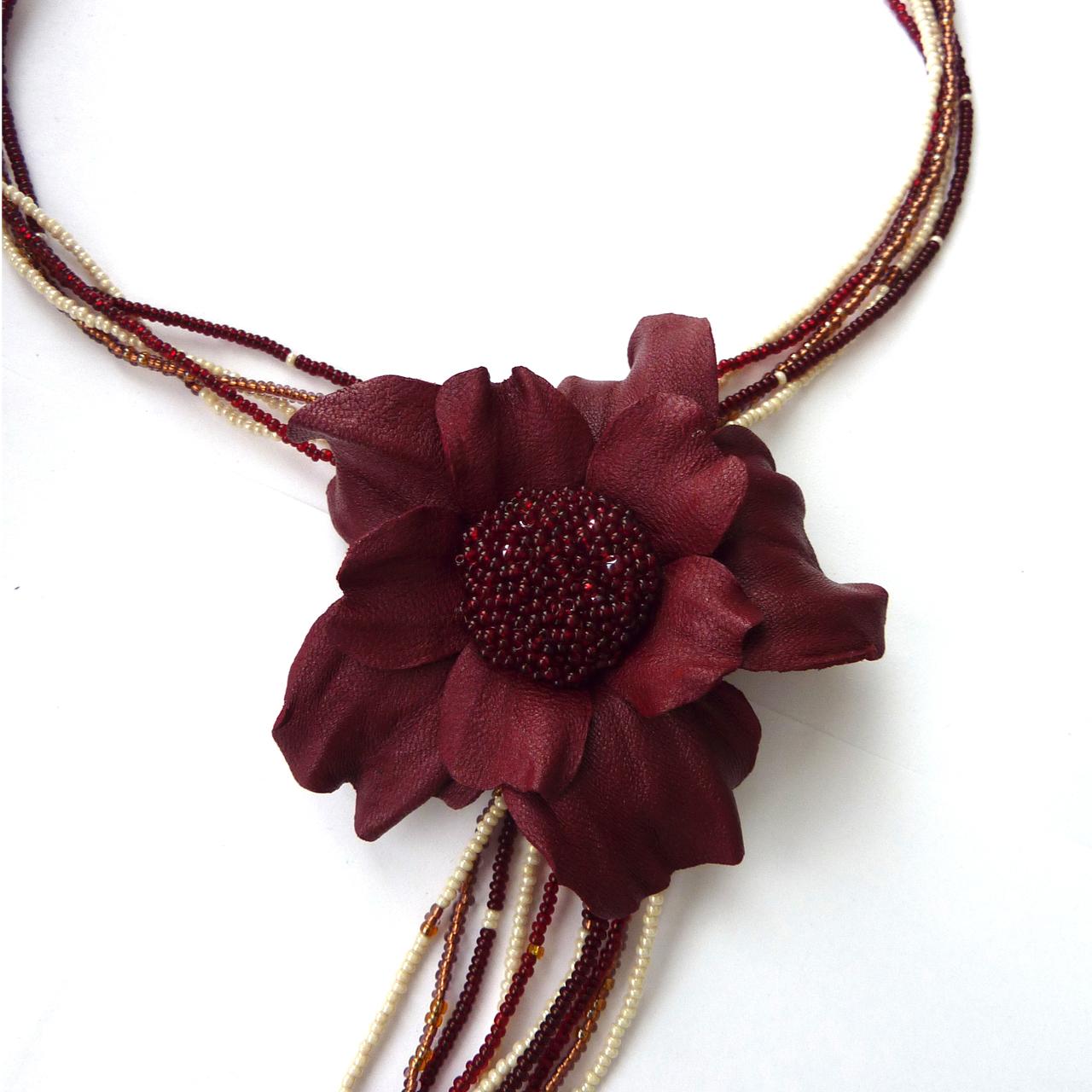 Греческая прическа цветы