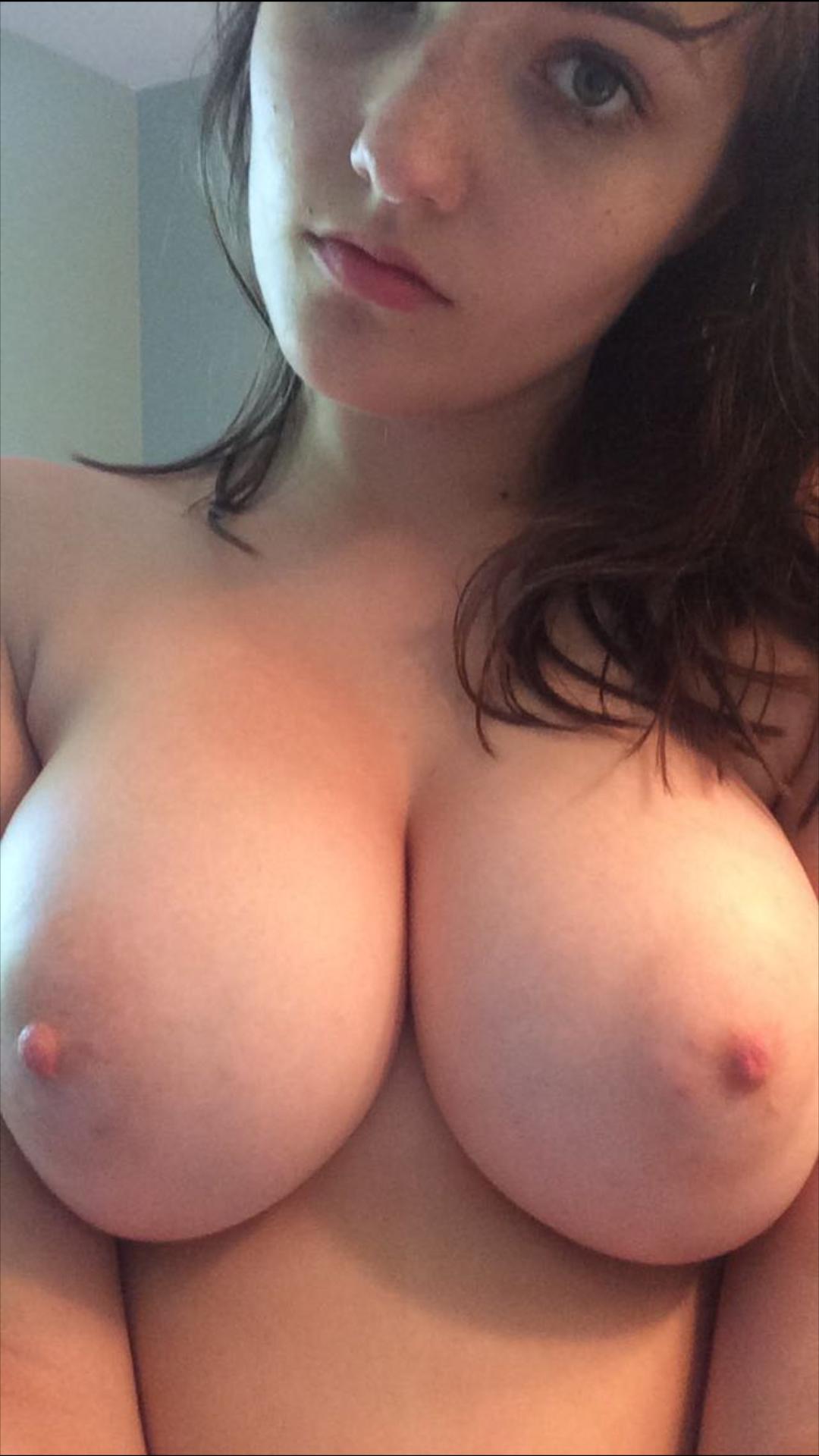 Полнеет грудь порно