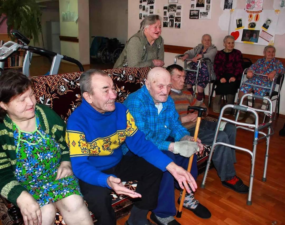 Взять бабушку под опеку из дома престарелых какие требования для работы в доме престарелых в ирландии