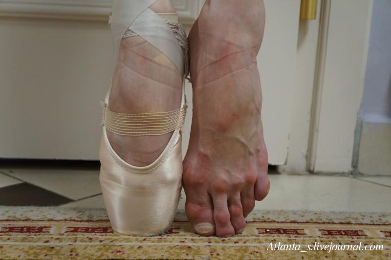 Ступни ног гимнасток и балерин фото 12