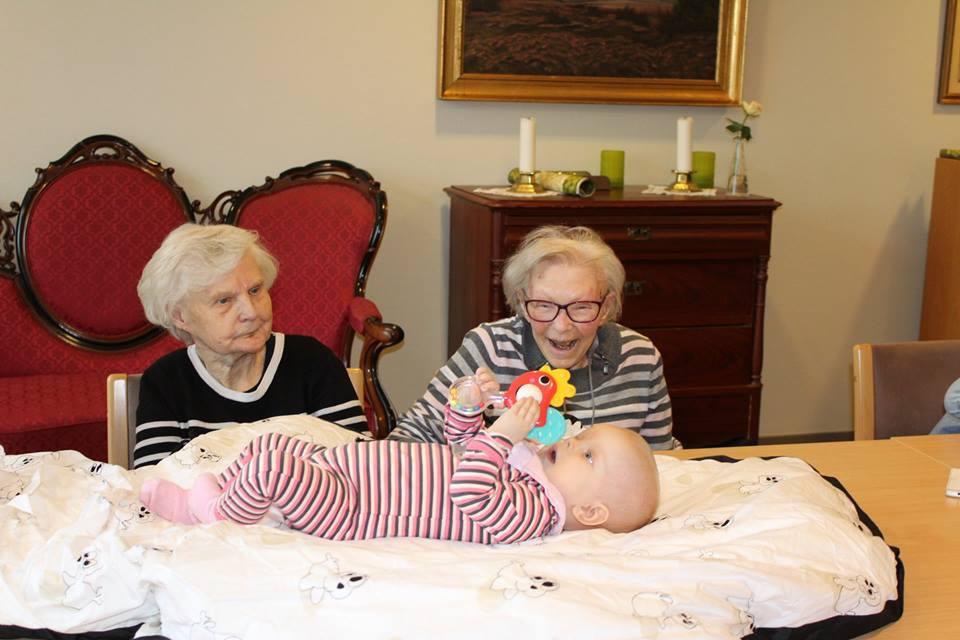 Секс стариков в доме престарелых социальный дом для пожилых людей в пушкине