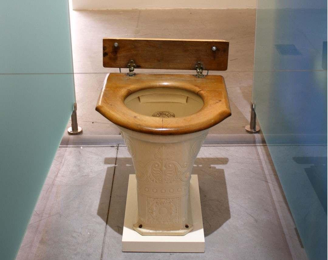 В европе есть туалеты дырка в полу