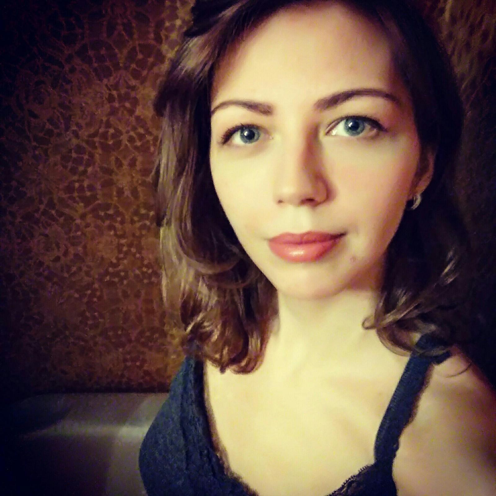 Анкеты девушек дл знакомства в казахстане с кон телефонами история знакомства ельцина и с его женой