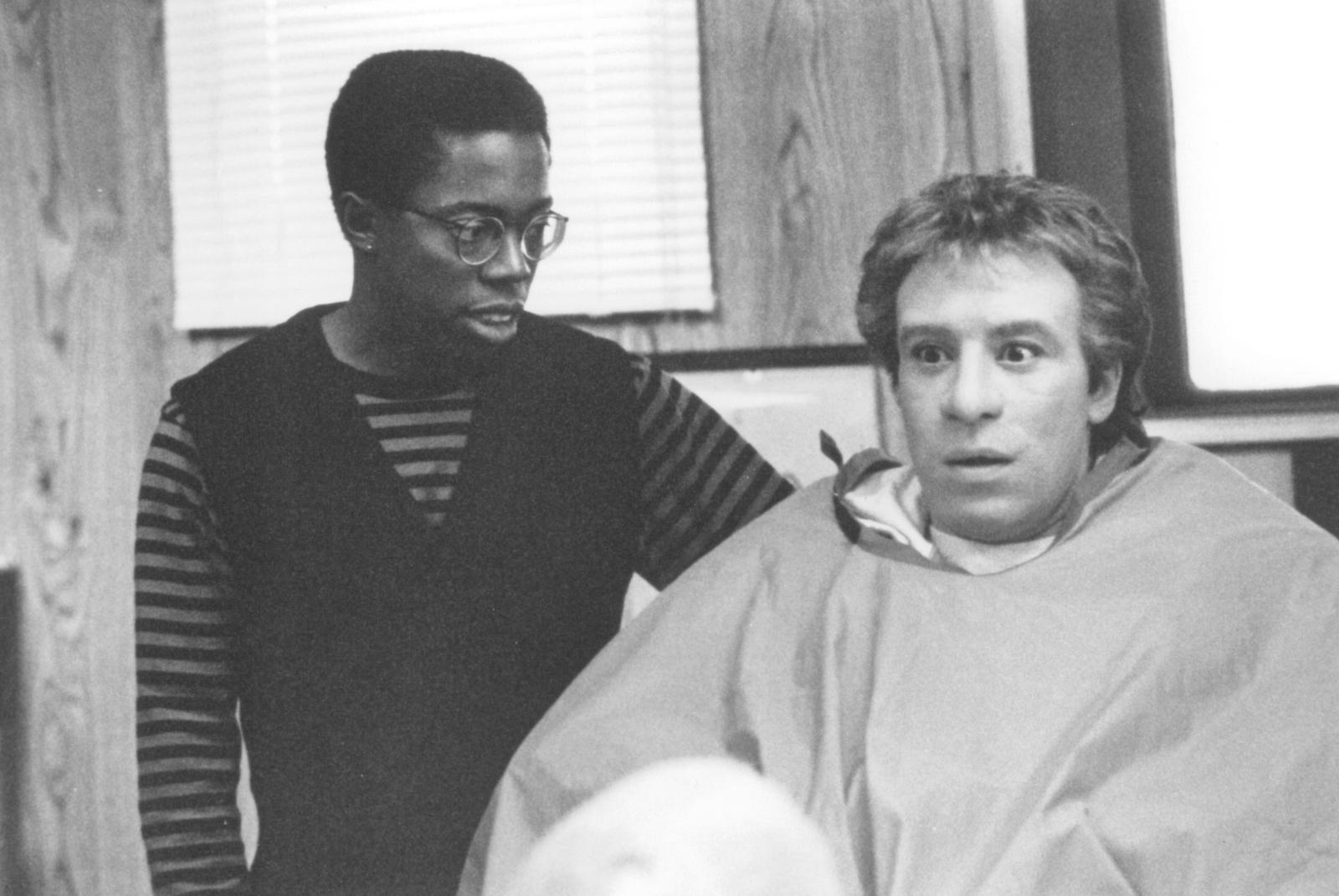 Фильм 90 х годов зарубежный комедия про негра и белого