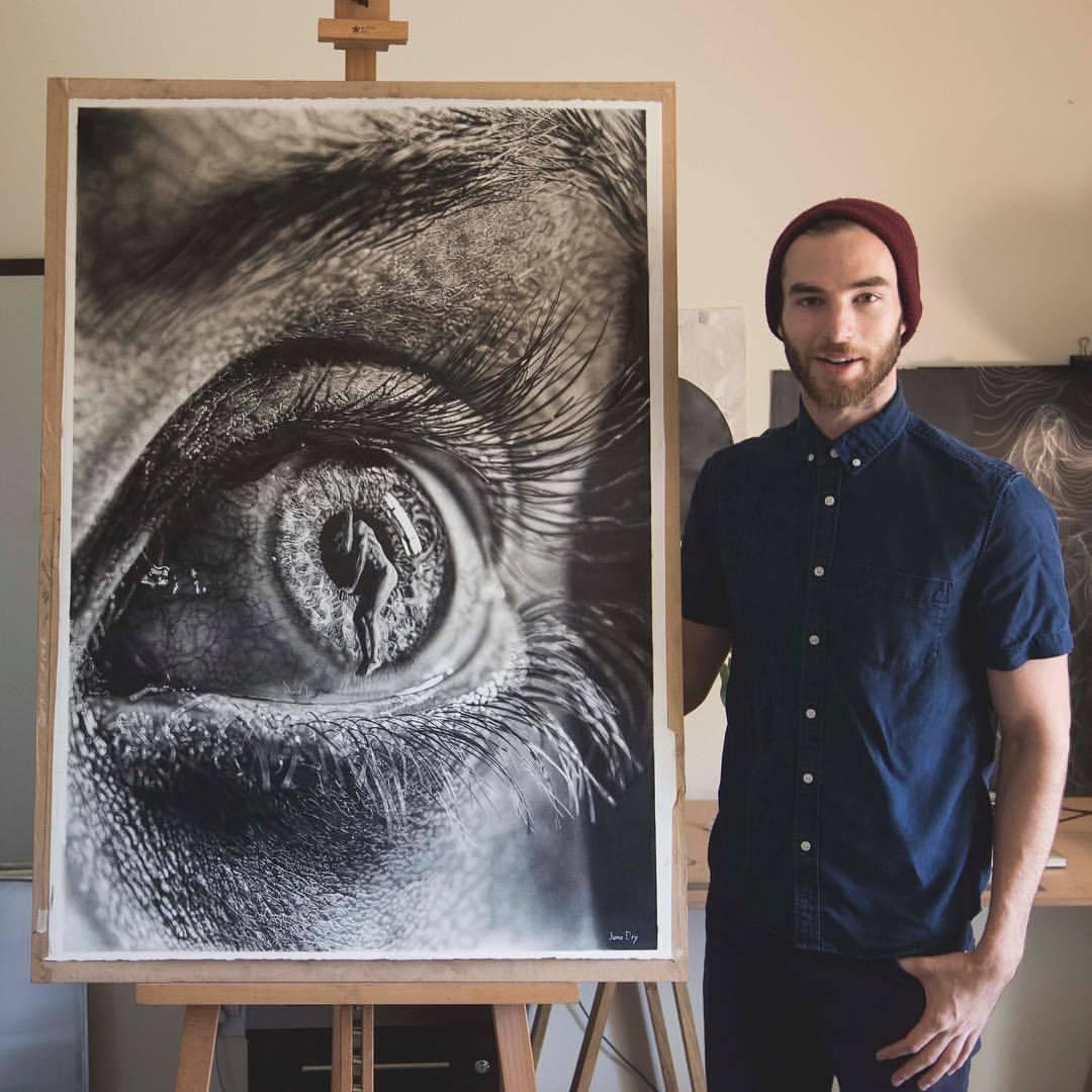 Порно художница рисует парня, в попу секс с женой видео