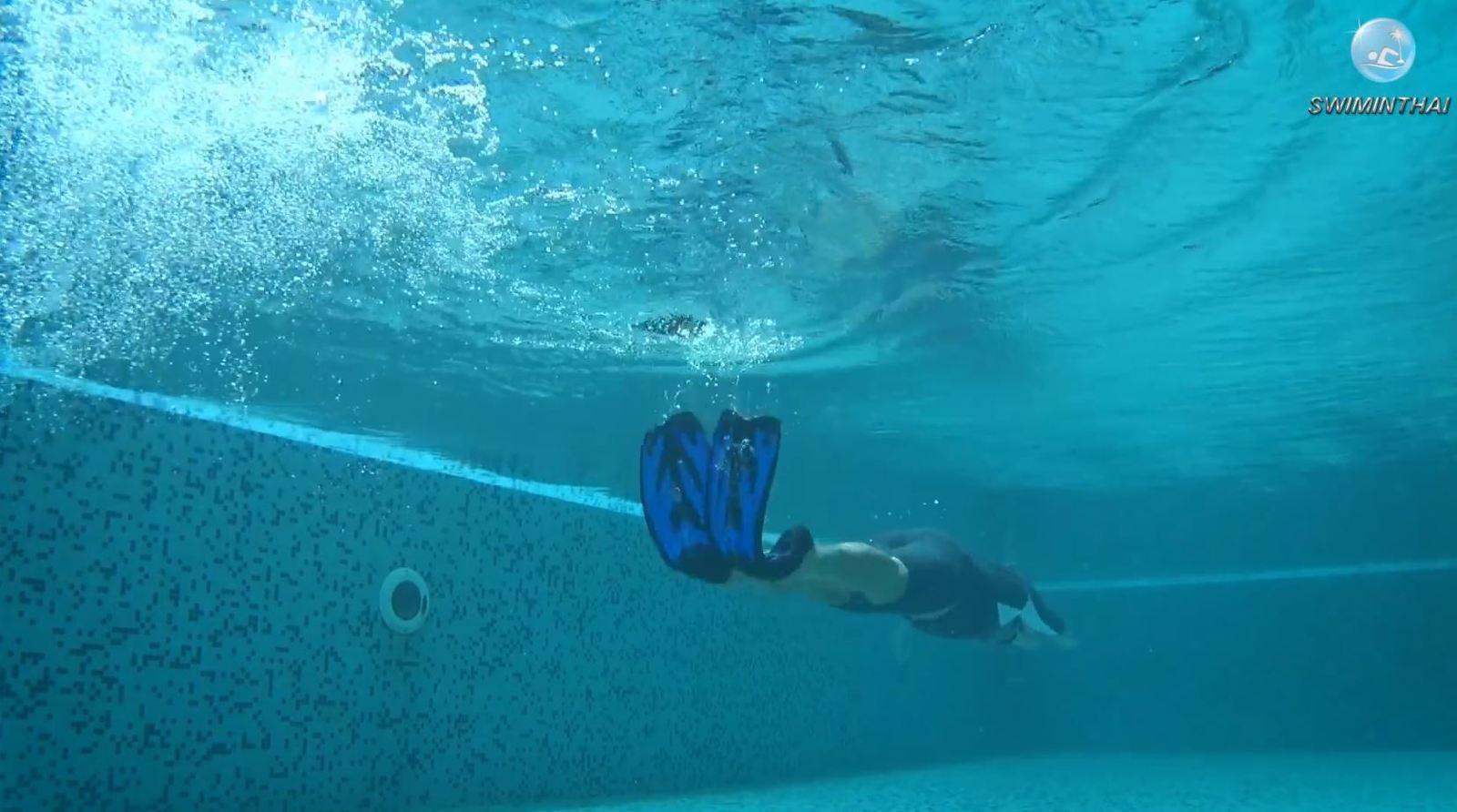 vse-video-devushki-plavanie-pod-vodoy-chto-delayut-golie-devki
