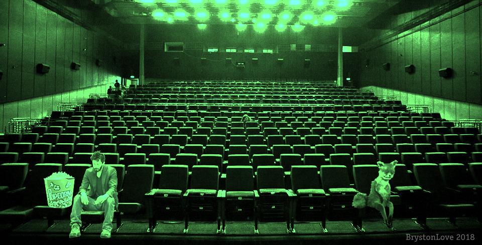 В кинотеатр насрал