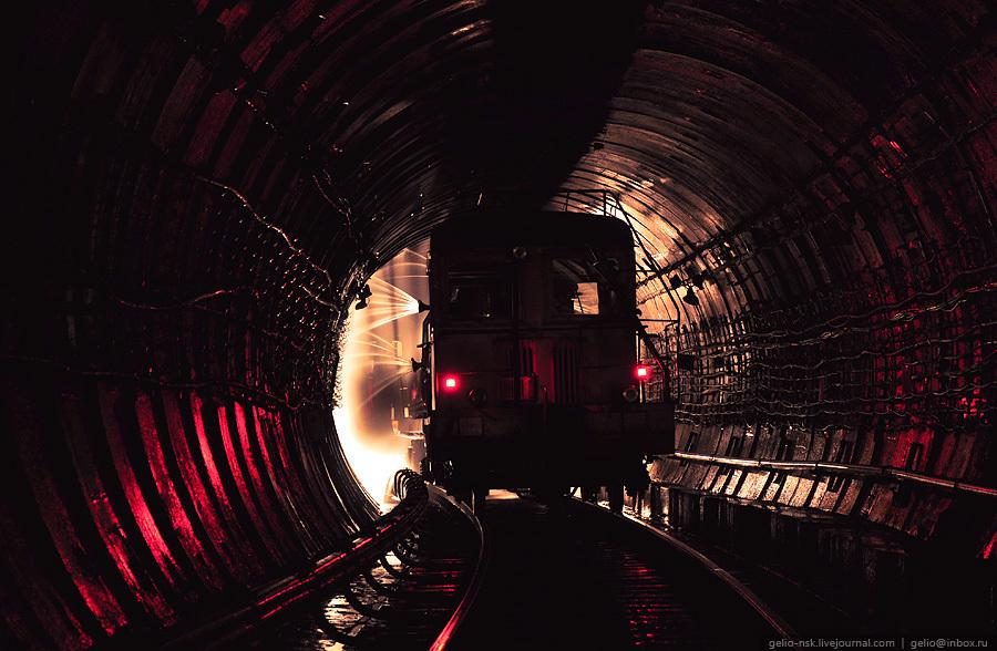 Почему вода в метро? метро