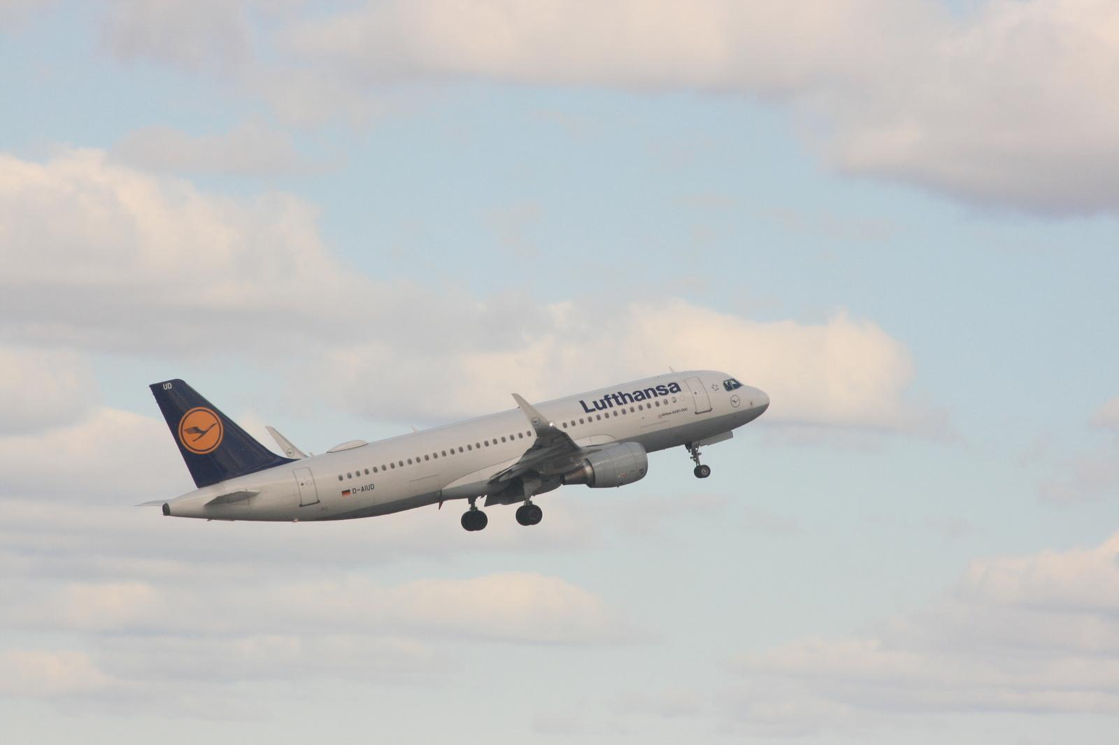 Билеты на самолет санкт петербург пулково авиабилеты победа где купить