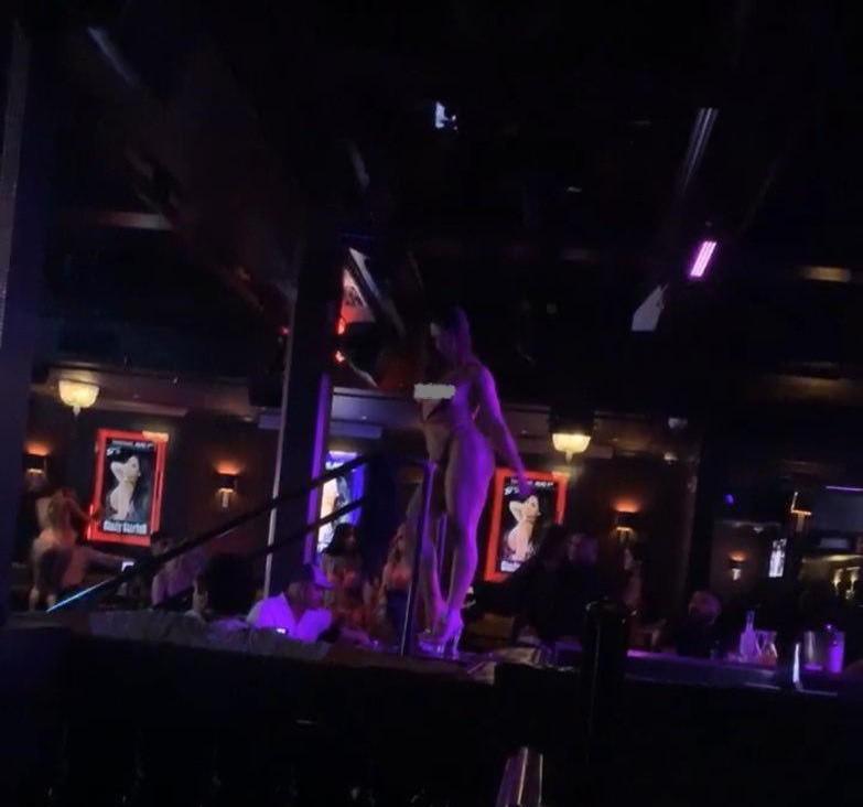 Стриптиз бары в мексике мираж тюмень клуб ночной