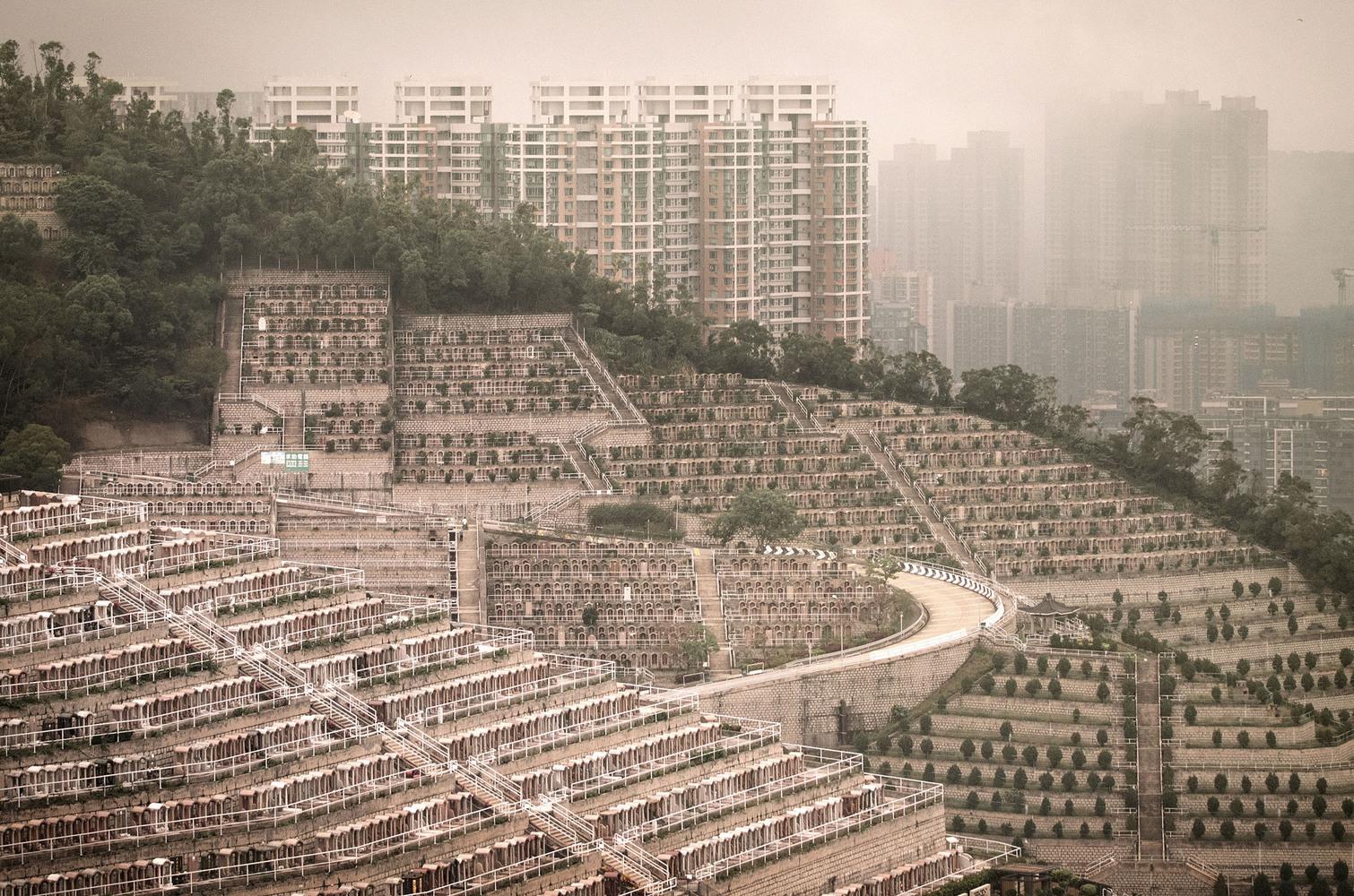 Вертикальные кладбища Гонконга. | Пикабу