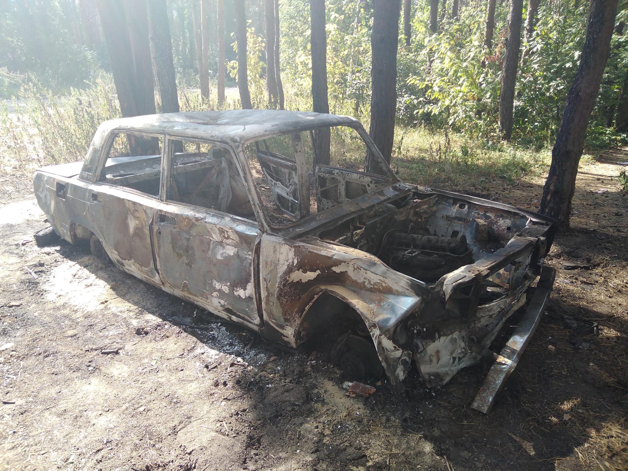 Обои автомобил, лес, брошенный, ржавчина, старый. Разное foto 18
