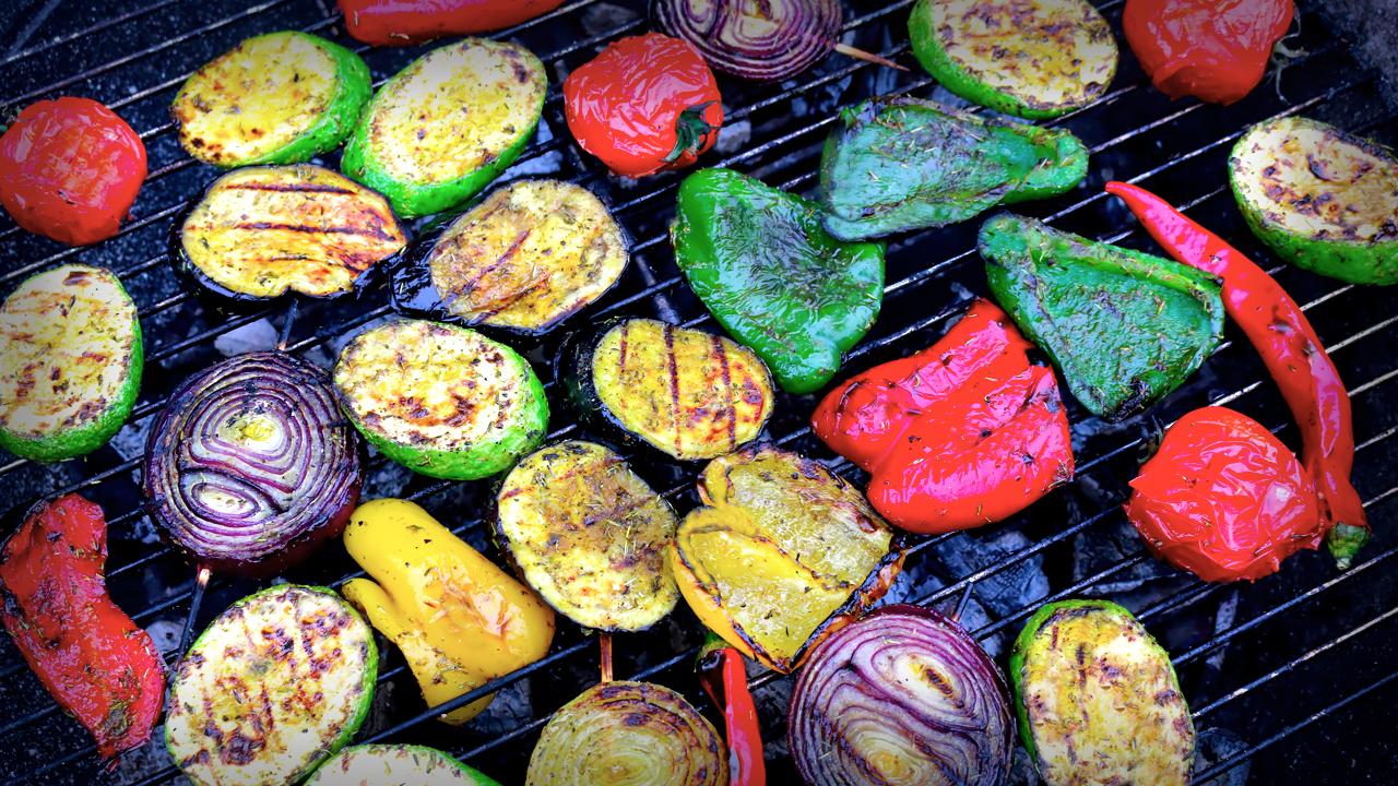Как правильно готовить овощи на гриле